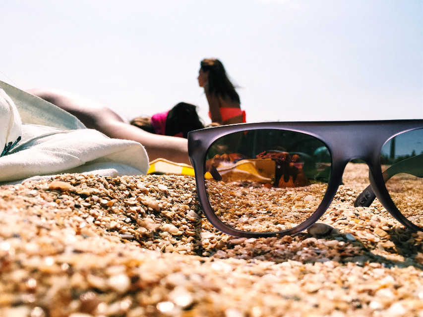Hello, my dear friends!🎈I also want to share with you my #warm and sunny mood☀️☀️☀️💛 #crimea #beach #lazysun #goodtimes #sunglasses #sunny #sunnymood #warmmood