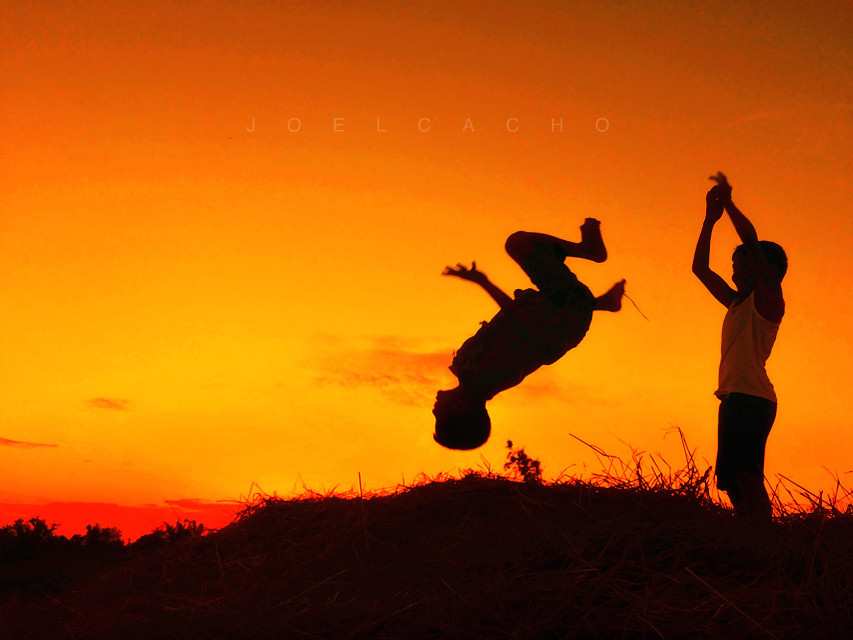 - let them play -  #silhouette   #photography   #backlit