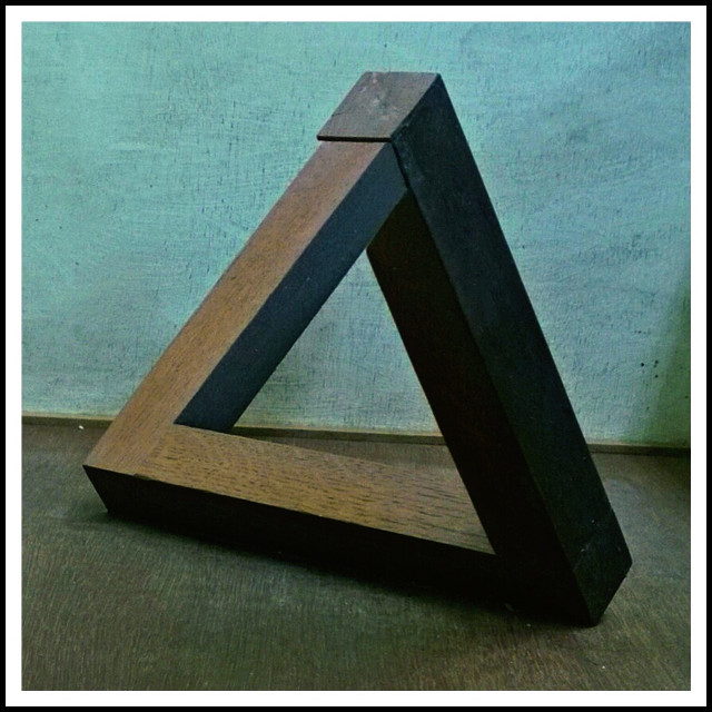 #mystery  #impossible triangle