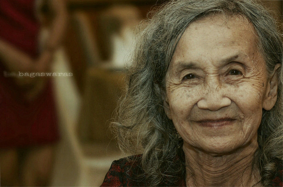 ♡ Look at me. I am old but I am happy ♡ ~Cat Stevens~  #portrait #people #elders #photography