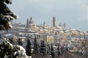 paesaggio panorama inverno neve nevone