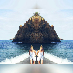 wapmirrormania twins beautiful beach pals