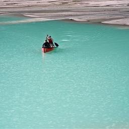 solitary lake lakelouise travel