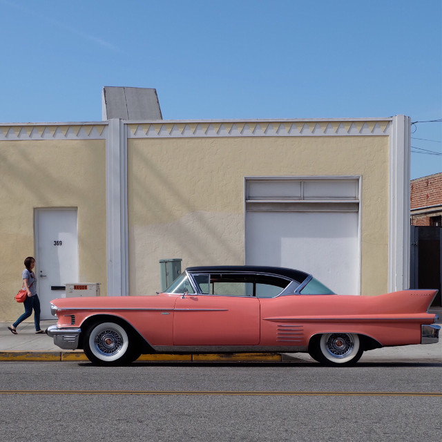#colorful #colormatch #coral #retro #classiccar #photosfromthestreet #californiadreamin