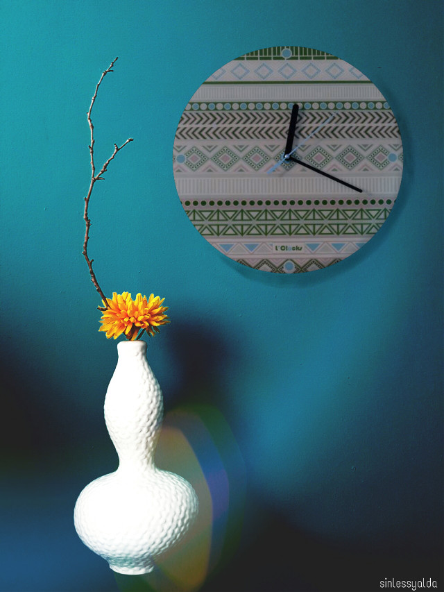 #freetoedit #clock #blue #yellow  #flower  #edited  @pa thank you very much for choosing my pic as best of 😍💕🎊💙🌹💖