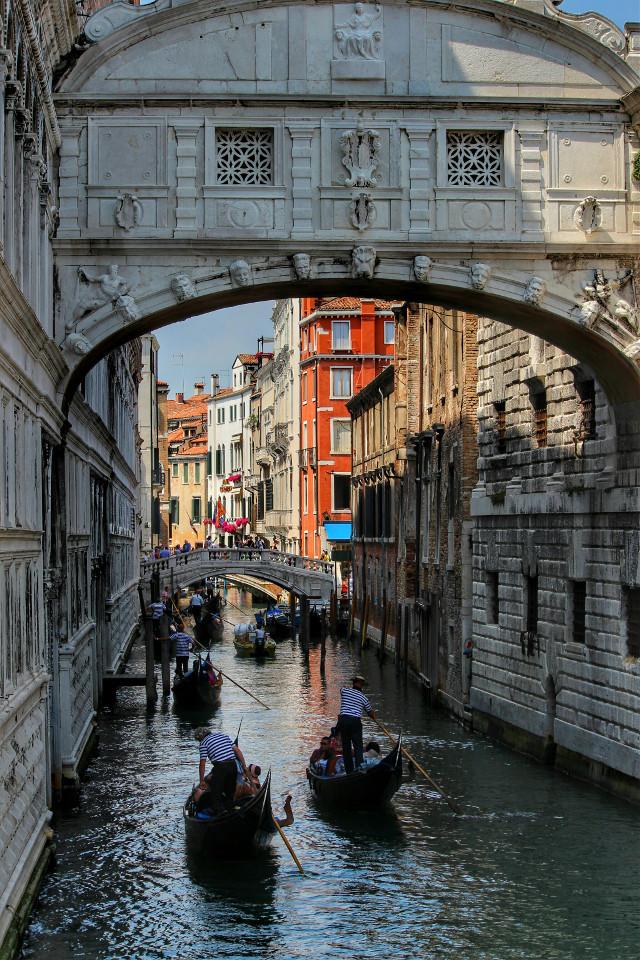 "www.exploringeuropa.com   Bridge of sighs "" Ponte dei sospiri "" #venice #photography #italy #architecture #gondola"