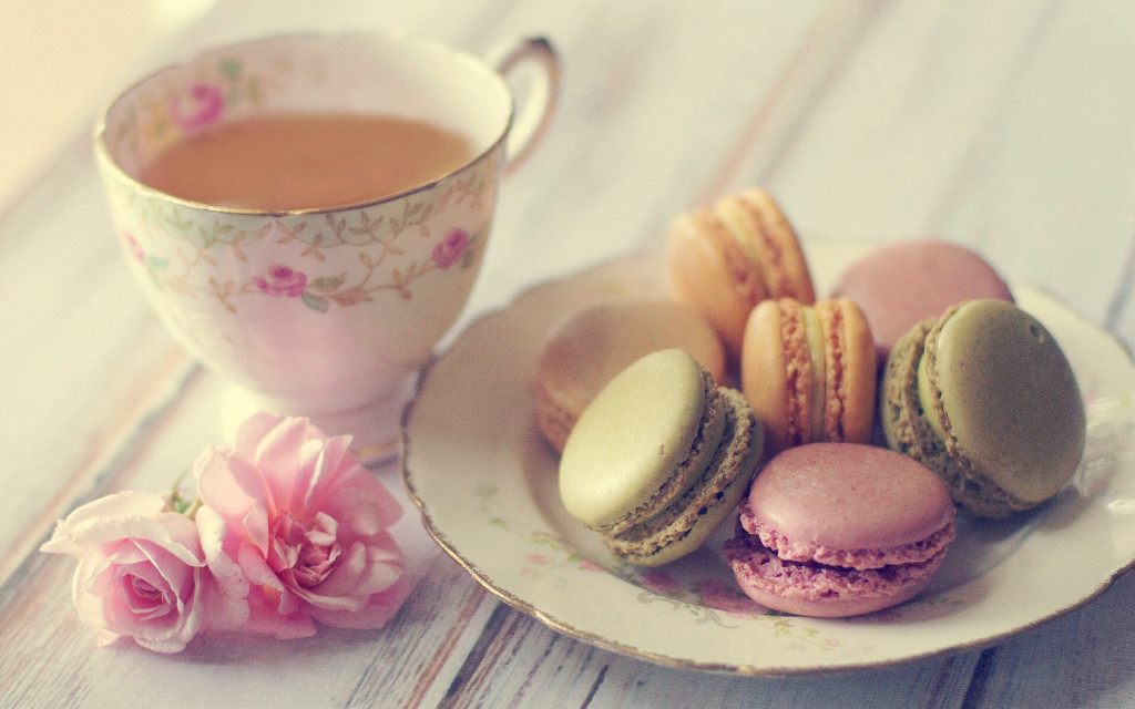 #tea #vintage #macarons